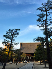 百万遍知恩寺 (kaoDorac) Tags: sky cloud nature japan temple kyoto scape 百万遍 知恩寺