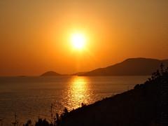 Sonnenaufuntergang (GottiKa) Tags: urlaub olympus griechenland sonne samos wein wehmut epl1 artofgottika kokaribeach