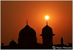 A SETTING SUN STILL WHISPERS A PROMISE FOR TOMORROW (Durjoy1285) Tags: sunset sun moments dhaka bangladesh silhouttee
