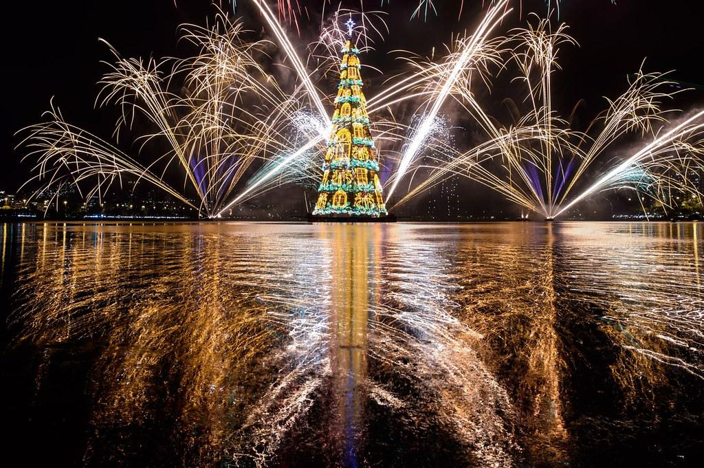 Cây thông Noel nổi Rio