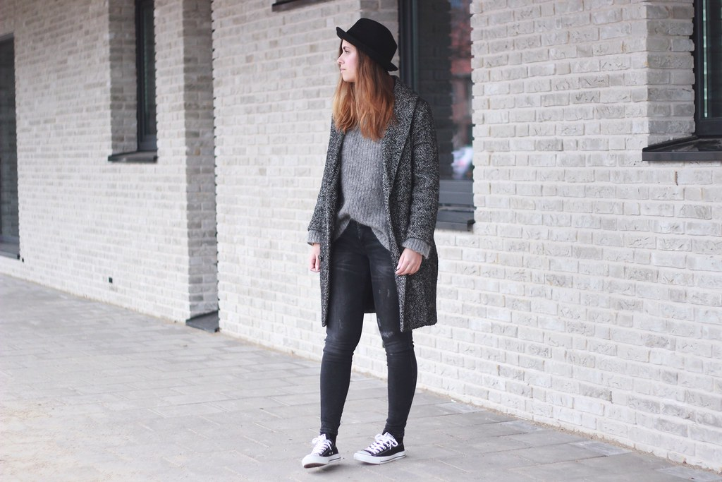 Skinny-jeans-black-converse-allstar-casual-street-style