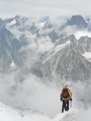 Tour De Mont Blanc, Alpen 216 (tomdebruycker) Tags: blue camping france mountains alps nature trekking walking geneve hiking lac du solo alpen midi courmayeur chamonix wandern montblanc refuge frenchalps tmb tourdumontblanc longdistance leshouches tourmontblanc aguille coldubonhomme