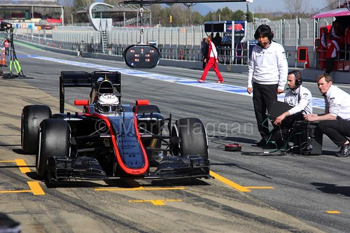 Kevin Magnussen pits during Formula One Winter Testing 2015