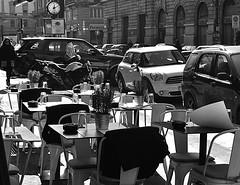Controluce in B&W. (GiannLui) Tags: milan bar milano ristorante controluce tavoli tavolini tavoliniapparecchiati