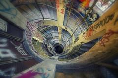 paris le frigo (Chat-Maigre) Tags: paris color beautiful tag graphiti escalier couleur frigo tourbillon