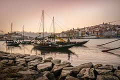 Oporto (J.L.Villar) Tags: rio atardeceres barcas bodegas oporto roja duero jlvillr