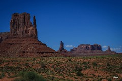 Far West (Chauxe) Tags: voyage trip travel usa naturaleza rock canon landscape nationalpark rocks unitedstates paisaje roadtrip monumentvalley paysage canoneos roches roche photographe etatsunis parcnational ouestamericain ouestamricain canoneos60d photographefranais chauxe