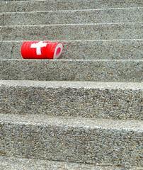 Suisse (Anne DUGAST-SEJOURNE) Tags: suisse flag drapeau lampion escalier stair marches steps