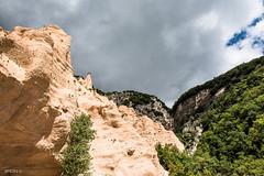 _DSC5227.jpg (SimonR91) Tags: lamerosse fiastra sibillini montisibillini regionemarche marche italy italia mountains lake trekking beauty nikon nikond750 clouds sun blades redblades