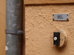 What Else... (d_t_vos) Tags: bell bel doorbell wall outerwall outside ochre ocher sign drain outlet rainpipe smallsign noticeboard color colour house architecture street streetphotography structure abstract detail leeuwarden bagijnestraat westerkerk netherlands dickvos dtvos