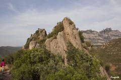 Caminando por Montserrat. (Carlos Vinagrito) Tags: montaa montserrat roca paisaje piedra catalunya