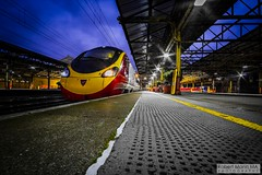 CreweRailStation2016.10.22-19 (Robert Mann MA Photography) Tags: crewerailstation crewestation crewe cheshire station trainstation trainstations train trains railway railways railwaystation railwaystations railstations railstation virgintrains virgintrainspendolino class390 class390pendolino pendolino northern northernrail class323 eastmidlandstrains class153 class350 desiro class350desiro arrivatrainswales class158 towns town towncentre crewetowncentre architecture nightscapes nightscape 2016 autumn saturday 22ndoctober2016 londonmidland