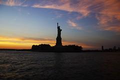 Lady Liberty (smartix92) Tags: nyc libertyisland statueofliberty amazing tramonto sunset america newyork usa