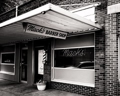 Mack's of Watertown (Pete Zarria) Tags: southdakota barber shop neon poll sign small town city
