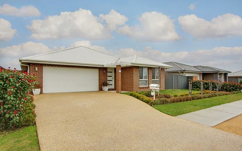 18 Mewburn Drive, Goulburn NSW 2580