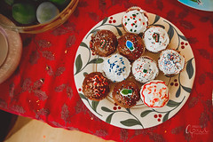 Cupcake Platter (Images by April) Tags: holiday festive dessert cupcakes baking treats cupcake christmascupcakes redvelvetcupcake canon5dmarkii canont2i550dtamronf28