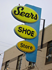 Sears Shoe Store, Fort Oglethorpe, GA (Robby Virus) Tags: sign georgia shoe store sears business footwear signage fortoglethorpe rossville