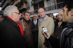 #JesuisCharlie rassemblement  Athnes (Grce) (La France en Grce) Tags: hommage grce institut francais ifg charliehebdo ambassadedefranceengrce jeanloupkuhndelforge