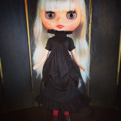 Stunning! #blythe #blythedoll #blytheoutfit #SqueakyMonkey #cadencemajorette (bauer blue) Tags: blythe blythedoll squeakymonkey blytheoutfit cadencemajorette
