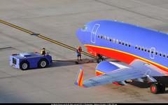 PHX.2014_7967_awp (CHR / AeroWorldpictures Team) Tags: arizona usa southwest phoenix az apron planes boeing airlines spotting aircrafts phx b737 swa kphx 7373h4 b733 n399wn cn276932697