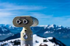 Was guckst du? - What are you looking at? (swissgoldeneagle) Tags: schnee snow schweiz switzerland binoculars d750 schwyz rigi rigikulm innerschweiz kulm feldstecher queenofthemountains königinderberge koeniginderberge