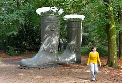 Odapark Venray (FaceMePLS) Tags: sculpture art boots kunst nederland thenetherlands skulptur sculptuur rubber venray welly wellies beeldentuin laarzen laars facemepls nikond700 odapark kaplaars