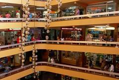 Galera Caracol (LilyNoe) Tags: galeria concepcin centrocomercial caracol tiendas actividad