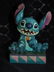 Jim Shore - Stitch (sh0pi) Tags: family stitch familie jim disney shore figure lilo means figur ohana heist