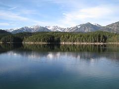 Lake (er_kohl) Tags: germany austria see alpen wandern garmisch eibsee zugspitze zugspitzbahn topofgermany garmischpatenkirchen alpensee greinau eibseebahn
