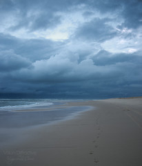 Stormy weather ((Virginie Le Carr)) Tags: ocean sea cloud mer storm france landscape sand cloudy sable atlantic nuage paysage vagues orage atlantique ocan nuageux gironde vawes lasalie