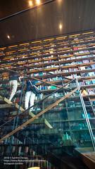 2016 JAPAN 0627EOSM3-39 (sun_line) Tags:   japan   bookstore books