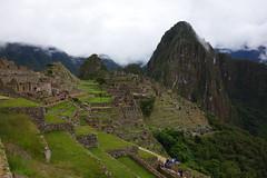 Machu Picchu (Cagsawa) Tags: machupicchu machu picchu machupichu cusco peru cuzco cloud cloudy ruins inca incatrail sevenwonder wonder worldheritagesite worldheritage unesco ancient archaic civilization tourism rx100 stone grass mountain outdoor terrace rock tree aguascalientes