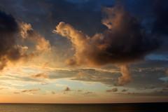 clouds showing off (2) (kexi) Tags: jastrzebiagora balticsea baltic sea water clouds sky horizon calm poland polen polska pologne polonia canon june 2015 blue orange instantfave wallpaper