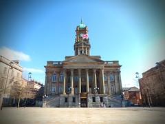 Birkenhead town hall (llocin) Tags: birkenhead townhall hamiltonsquare flag grand