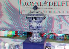 Delft Ceramica 3D (wim hoppenbrouwers) Tags: blue ceramic 3d anaglyph delft stereo vase delftblue redcyan delfts delftsblue potteryfactory porceleynefles blueware royaldelft bluware delftceramica delftsekeramiekdagen