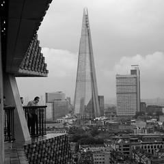 Stormy London - 2 (stugee) Tags: fuji fujifilm xe 2 x e2 xe2 mono monochrome noir black white blanc et negre bw bn london tate gallery extension viewing platform thames skyline sky clouds fujinon 35mm f14