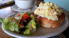 Salmon Scramble Egg with  Salad (Dex) Tags: egg scrambleegg salmon salad vegetable bread food yummy coffeebean cafe queensbaymall penang malaysia
