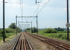Overweg bij Gieltjesdorp (bcbvisser13) Tags: overweg rails tracks railwaycrossing bovenleiding panorama landschap symetrie gieltjesdorp provincieutrecht nederland eu