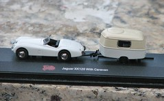 XK 120 WITH CARAVAN..IN 1/87 SCALE (richie 59) Tags: diecastcar diecastautomobile diecastauto sunday weekend smallscale diecastcollection richie59 outside summer backyard diecastvehicle 2016 july242016 july2016 malibuinternational 187scale 187 jaguarxk120 jaguar caravan diecastjaguar xk120 america 2010s usa us 2door twodoor 1950scar convertible jaguarconvertible britishcar britishconvertible miniaturevehicle miniature miniatureauto modelautomobile toyautomobile smallscaleautomobile whitecar antiquecars antiquecar sideview