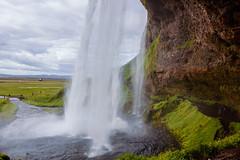 Tras la catarata (Lou Rouge) Tags: iceland islandia seljalandsfoss catarata cascada cascade water waterfall landscape paisaje cave