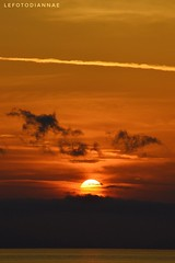 .... rincorrersi..... (lefotodiannae) Tags: lefotodiannae alba liguria loano colori atmosfera sole mattino mare