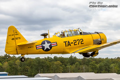 You Shoot Me, I Shoot You (Fly By Photography) Tags: cafcapitalwing capitalwing commemorativeairforcecaf culpeperregionalcjr danhaug jacktaylor n3167gta272493272cn168726 northamericant6gtexan traron trainer usairforce usaf virginia aviation flying plane planes warbird warbirds yellow brandystation unitedstates
