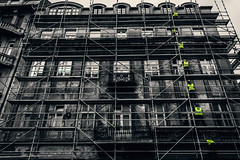 Under construction (Master Iksi) Tags: construction work architecture building oldstreet oldbuildings oldhouse blackandwhite beograd belgrade serbia srbija canon 700d outdoor street streetphotography sidewalk