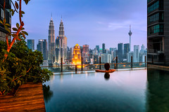 Kuala_Lumpur_pool_2048 (NicoTrinkhaus) Tags: malaysia kualalumpur city cityscape night pool view petronas towers skyline hdr