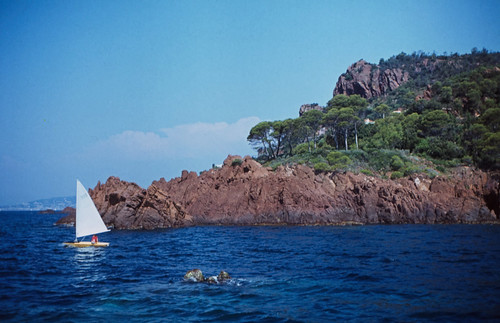 "111F Massif de l'Esterel • <a style=""font-size:0.8em;"" href=""http://www.flickr.com/photos/69570948@N04/15324329013/"" target=""_blank"">View on Flickr</a>"