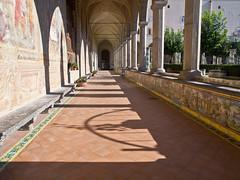 Kreuzgang / Cloister (schreibtnix on'n off) Tags: italien shadow italy sun travelling reisen campania monastery napoli naples cloister sonne schatten kloster neapel kreuzgang viasantachiara olympuse5 schreibtnix