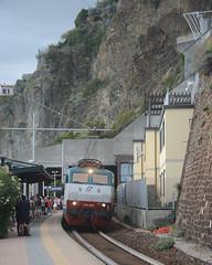 "The train line ""hugs"" the coast all the way from Ventimiglia to La Spezia, wonderful journey. (Steve Barowik) Tags: laspezia liguria ligure italy italia nikond600 nikonafs28300f3556gedvr barowik stevebarowik sbofls26 holiday vacanza fullframe fx d600 lovelycity unlimitedphotos golfodeipoeti gulfofpoets manarola coast costa unesco cinqueterre 28300mm nikonfxshowcase flickrelite"