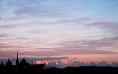 046/365: Alpenglühen (haslo) Tags: pink blue sunset sky alps silhouette museum clouds schweiz switzerland evening purple olympus bern omd alpenglow em1 alpenglühen project365 115in2015
