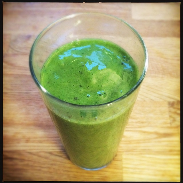 this mornings liquid breakfast - spinach, apple, mango, passionfruit, banana, hemp protein, matcha tea powder #greensmoothie #smoothie #jollyyoli #freshstart