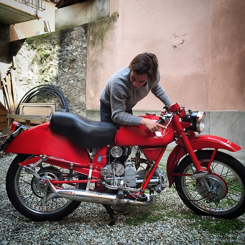 Time to have some fun #motoguzzi #shooting #berenford